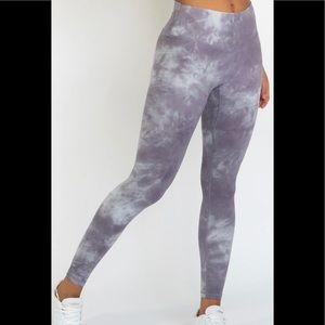 New Wearwolf Lavender Tiedye Leggings size S